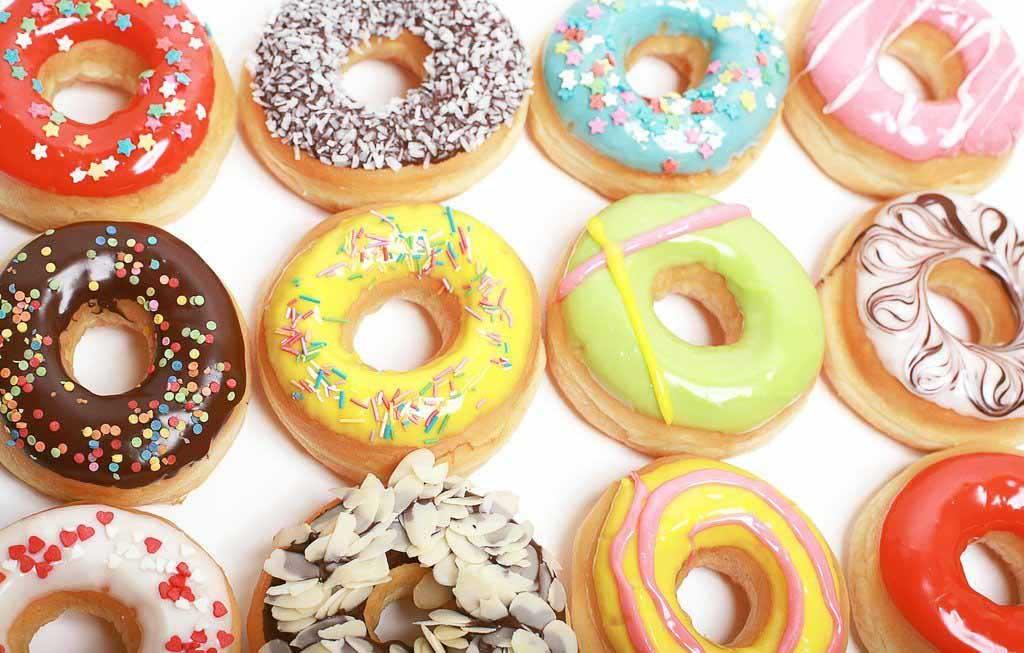 Офисные пончики — одна из главных причин гнилых зубов