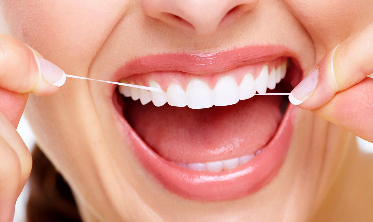 Зубная нить защищает от заболеваний зубов, сердца и даже мозга