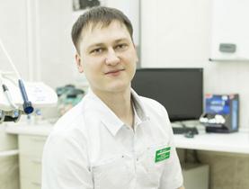 врач Леонов Александр Юрьевич