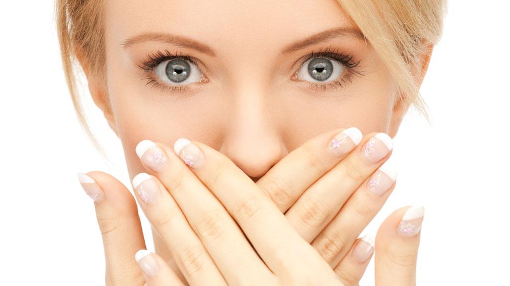 Ополаскиватели не помогают убрать неприятный запах изо рта